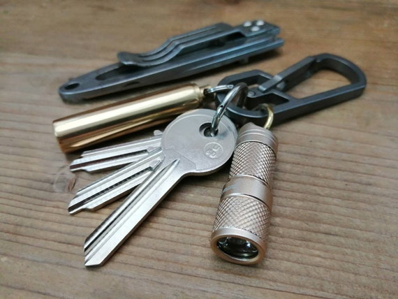 Basic Tiny USB Flashlight / Keyring / Aluminium