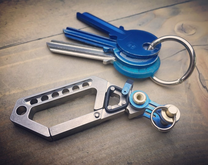 100% Pure Titanium / Drone Carabiner with Bike-Link Connector