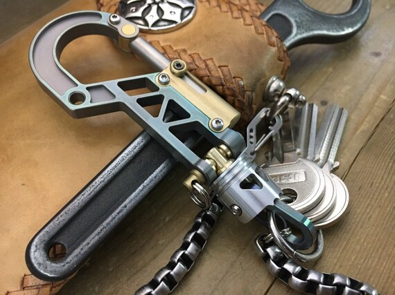 Titanium Bolt Carabiner with Swivel Skull Piston Bob, Keychain Mix-105V