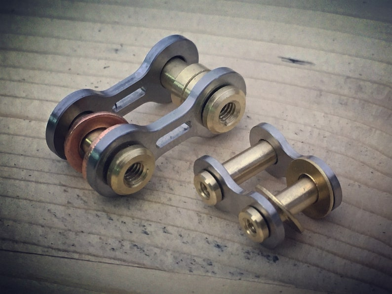 Titanium Bike-Link  Connector key chain Kit /  Small and image 0