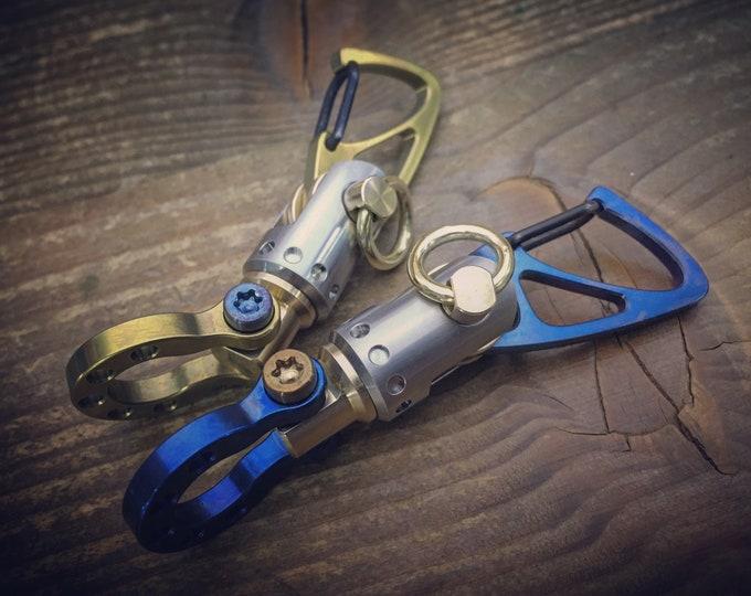 "Titanium Sailor shackle Keychain  with  Swivel  ""Jib Furler """