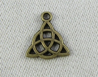 1 or 12, Celtic Knot, Celtic Charm, Triquetra, Trinity Knot, Irish Charm, Knot Charm, Bronze Celtic Knot, Wiccan, SYM004BZ