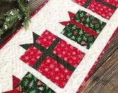 Christmas Present Table Runner PDF Pattern (digital copy)