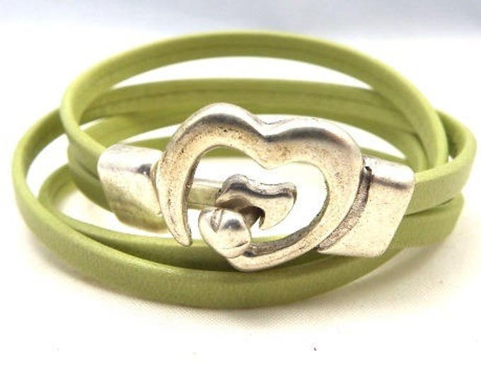 Kit leather lime green 10mm double heart clasp bracelet silver