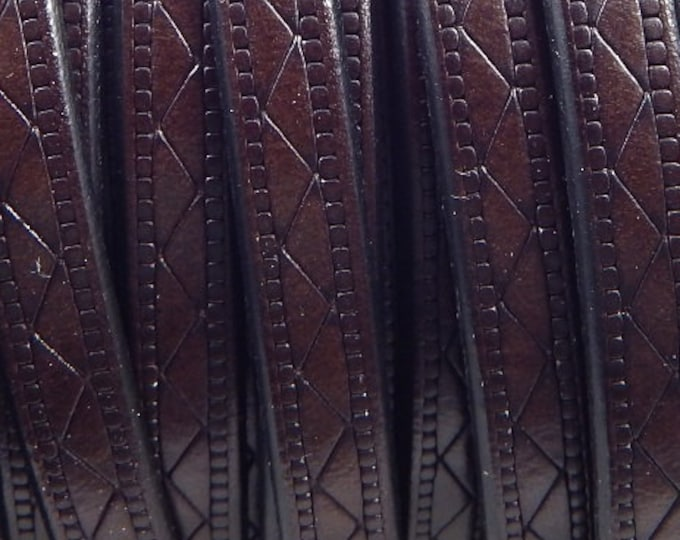 Flat leather dark brown 8mm etched design by 1 meter