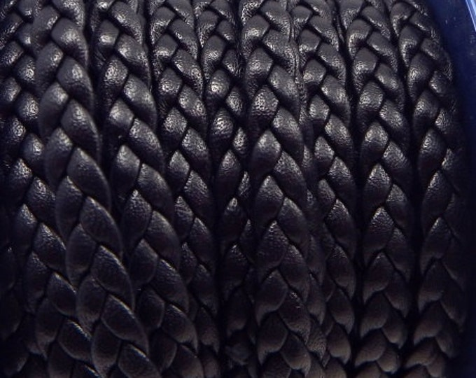 Flat black leather braided 0,23 x 7,9 inches