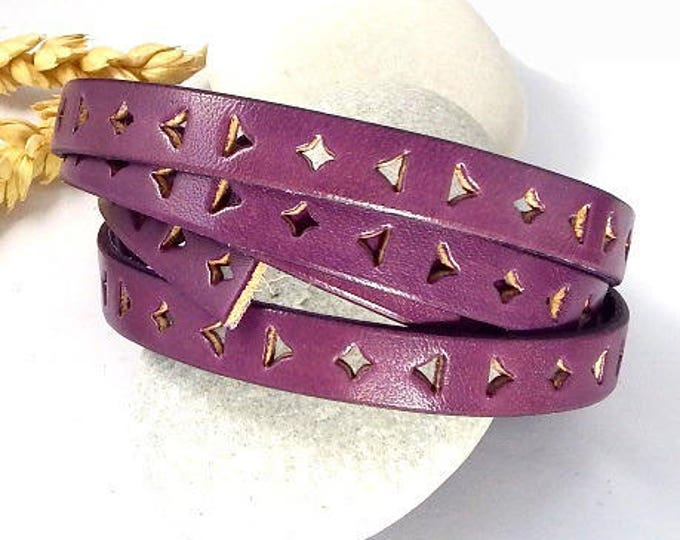 Flat leather 10mm perfores triangle and plum edge by 1 meter
