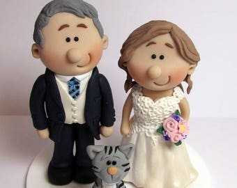 Fully Personalised Wedding Cake Topper,  Bride And Groom with pet cat, Custom made to order, wedding cake figurines, cake decoration