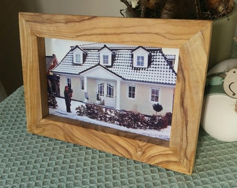 Picture frame landscape and portrait format, 10 x 15 cm olive wood