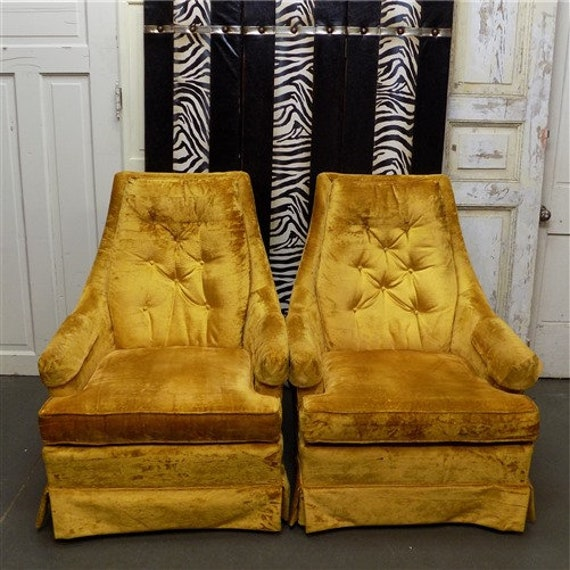 Brilliant Set Of 2 Vintage 60S 70S Yellow Crushed Velvet Upholstery Accent Armchairs Inzonedesignstudio Interior Chair Design Inzonedesignstudiocom
