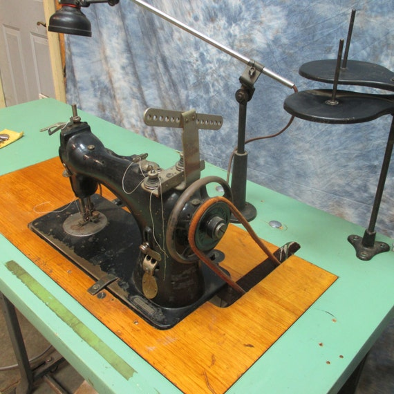 40 Singer Model 40 Electric Treadle Sewing Machine Etsy Delectable Industrial Singer Sewing Machine