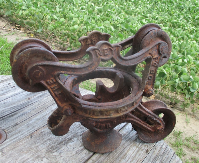 Fine Ney Cast Iron Vintage Pulley Barn Hay Trolley Carrier Vintage Farm Tool C Cast Iron Hay Trolley Carrier Unloader Farmhouse Decor Dailytribune Chair Design For Home Dailytribuneorg