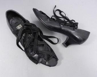 Vintage Azzedine ALAIA 1980's Lace Up Shoes