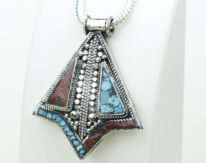 Nice Shape! Coral Turquoise Native Tribal Ethnic Vintage Nepal Tibetan Jewelry OXIDIZED Silver Pendant + Chain P3979