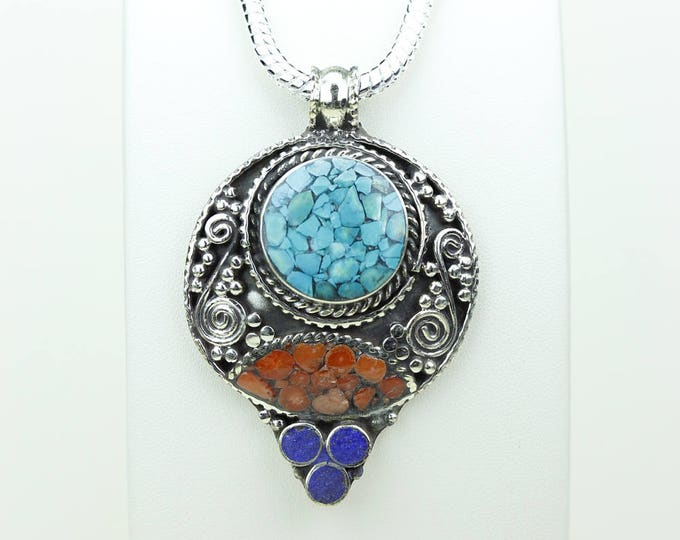 Quite the Catch! Crushed Turquoise Coral Lapis Lazuli Native Tribal Ethnic Vintage Nepal Tibet Jewelry OXIDIZED Silver Pendant + Chain P3924
