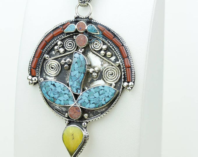Got to Get This! Coral Turquoise in Swirl Pattern Formation Native Tribal Ethnic Vintage Tibet Jewelry OXIDIZED Silver Pendant + Chain P3968