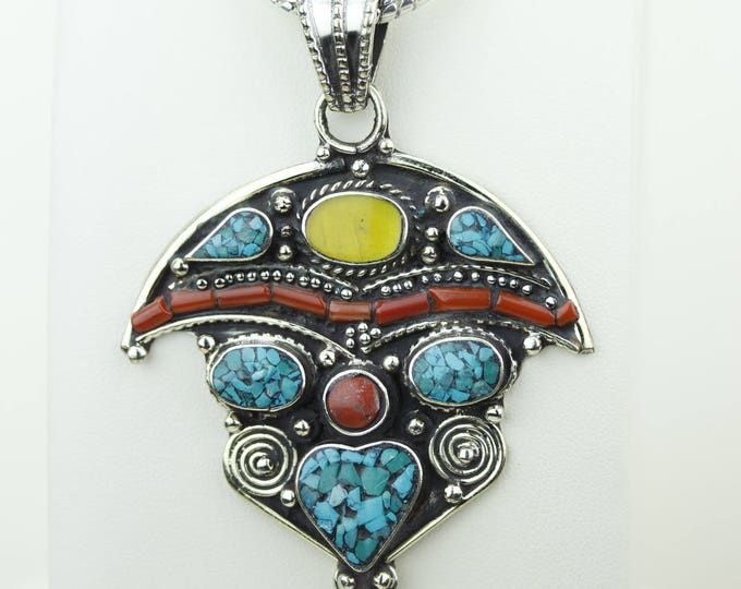 Unberlla Designs Turquoise Coral Native Tribal Ethnic Vintage Nepal Tibetan Jewelry OXIDIZED Silver Pendant + Chain P4332