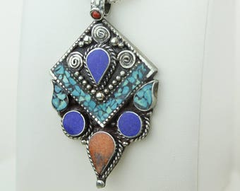 Lapis Turquoise Coral Native Tribal Ethnic Vintage Nepal Tibetan Jewelry OXIDIZED Silver Pendant + Chain P4353