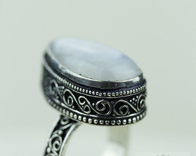 Size 8.5 Moonstone 925 S0LID (Nickel Free) Sterling Silver Vintage Setting Ring  r1803