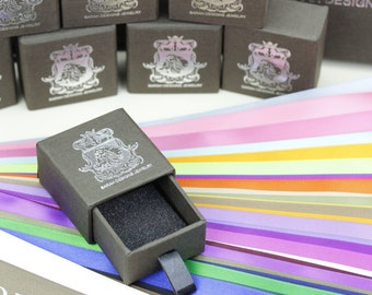 www.sarahdesignsjewelry.com     to receive complimentary gift wrapping with ribbons on all orders