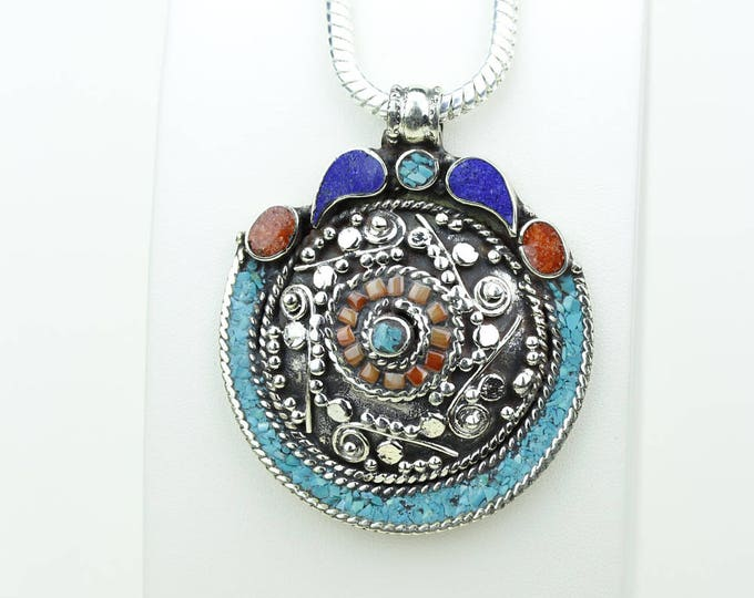 Such a deal! Coral Turquoise Native Tribal Ethnic Vintage Nepal Tibetan Jewelry OXIDIZED Silver Pendant + Chain P3947