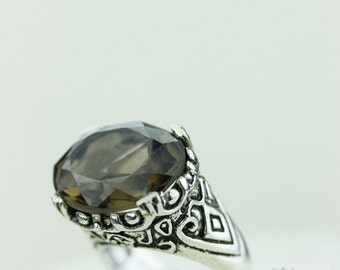 SIZE 7.5 Smokey Quartz 925 S0LID (Nickel Free) Sterling Silver Vintage Setting Ring r1757