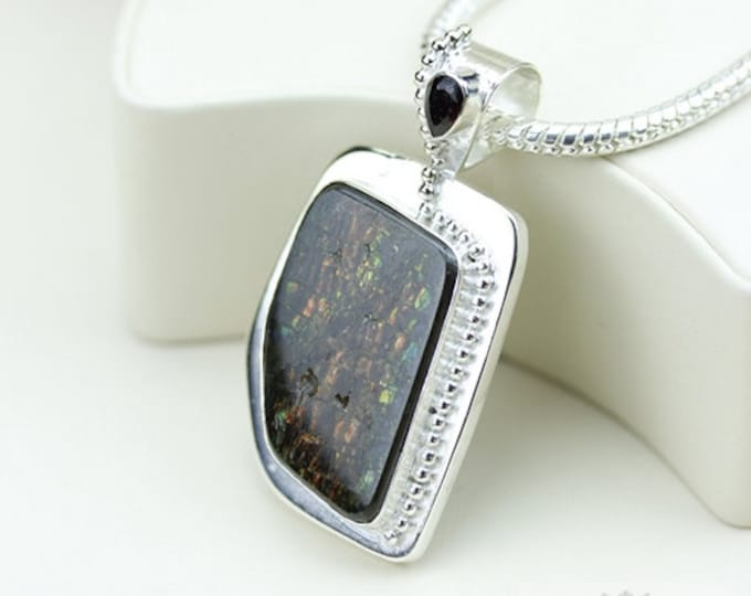 Gotta Love it! GENUINE Canadian AMMOLITE 925 Solid Sterling Silver Pendant + 4mm Snake Chain & FREE Worldwide Shipping P1482