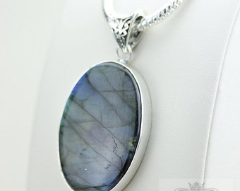 Nice Shade of Blue! AAA Grade Blue LABRADORITE 925 S0LID Sterling Silver Pendant + 4MM Snake Chain & Shipping p3077