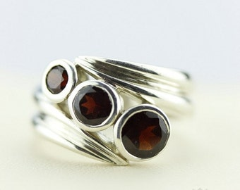 9 Carat Size 7 GARNET SPIRAL Setting (Nickel Free) 925 Fine Sterling Silver Ring  r11