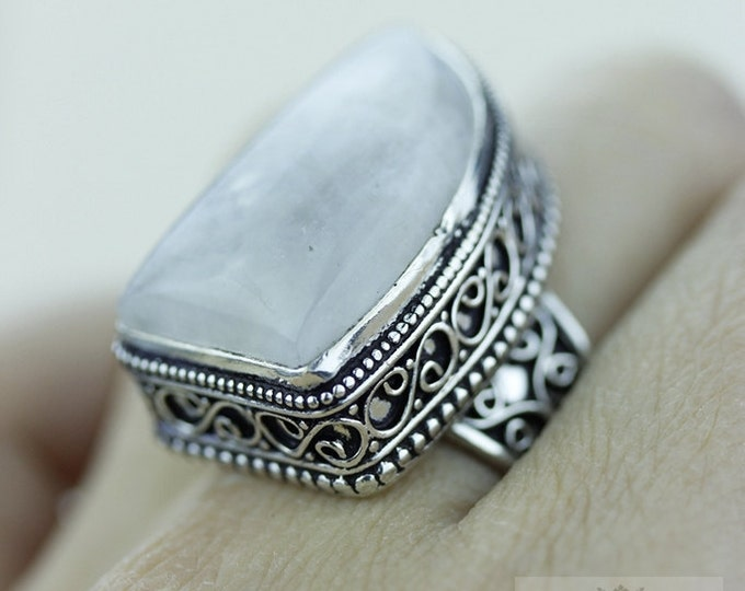 Size 8.5 Moonstone 925 S0LID (Nickel Free) Sterling Silver Vintage Setting Ring  r1801