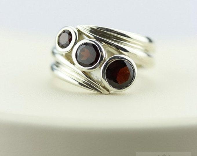 9 CARAT COMBINED SIZE Garnet (Nickel Free) 925 Fine Sterling Silver Ring