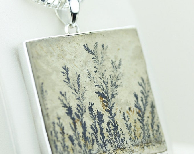 German PYROLUSITE FELSITE DENDRITIC Agate Fossil 925 S0LID Sterling Silver Pendant + 4mm Snake Chain & Free Worldwide Express Shipping p1444