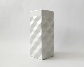 Vintage Figgjo Flint Hermann Bongard Op Art vase. Norway white porcelain/ceramic. Mid century 1960s. Minimalist Modernist geometric block
