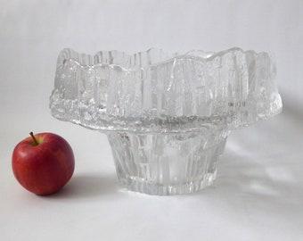 Huge signed Stellaria by Tapio Wirkkala, Iittala. Vintage art glass fruit bowl, 3450. Finland, mid century 1970s. Clear ice textured crystal