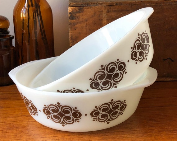 Rare unmarked serving bowls brown retro pattern tablescape pressed glass