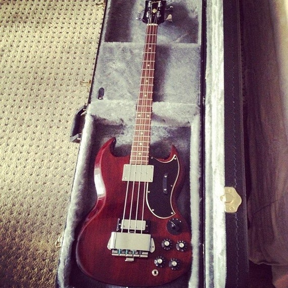 Vintage EB3 Gibson bass from 1968 original owner and in mint condition