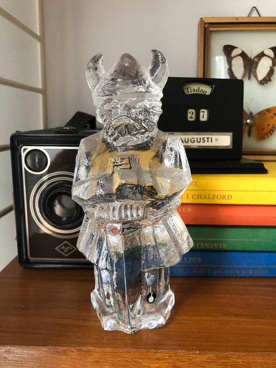 Swedish viking glass sculpture paperweight crystal pukeberg 1970s Uno Westerberg