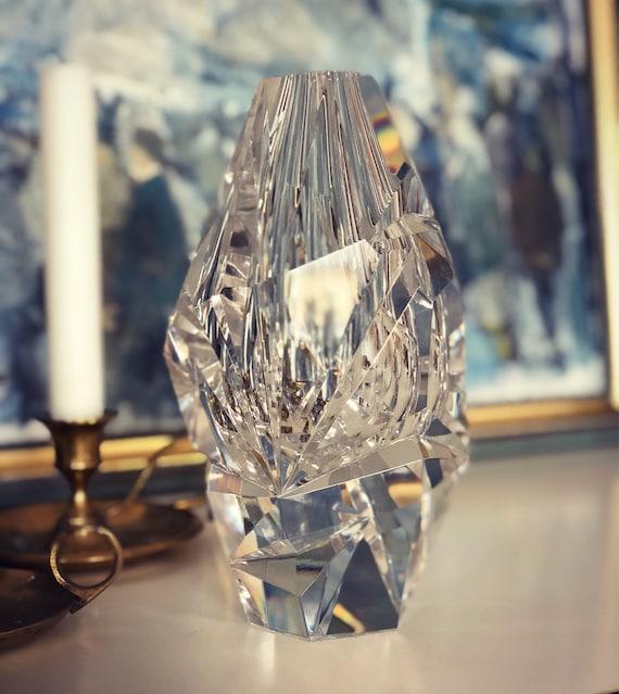 Vicke Lindstrand/kosta boda/vase/signed/Scandinavian/midcentury modern/crystal/vase/smoke and ice