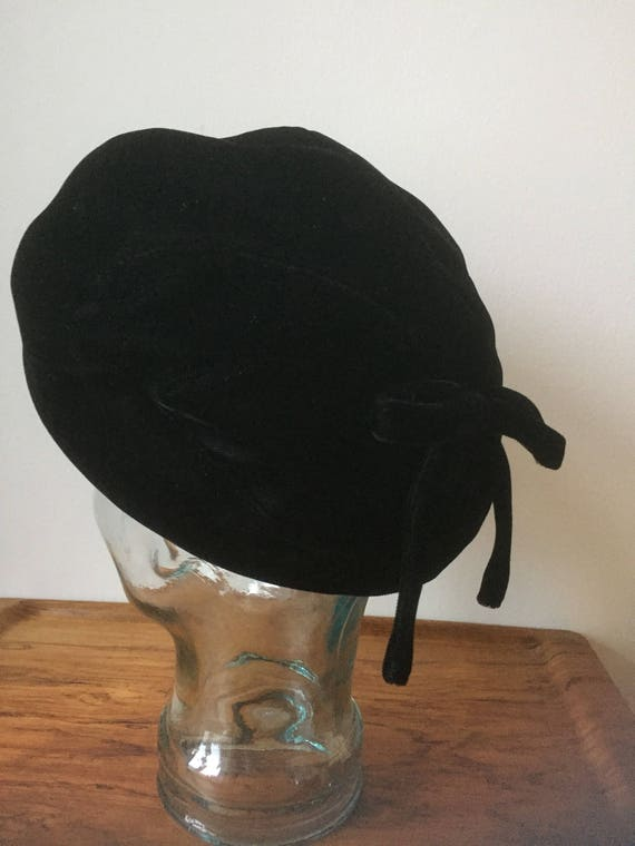 Vintage Swedish hat black velvet  made in Sweden cloche style cloche