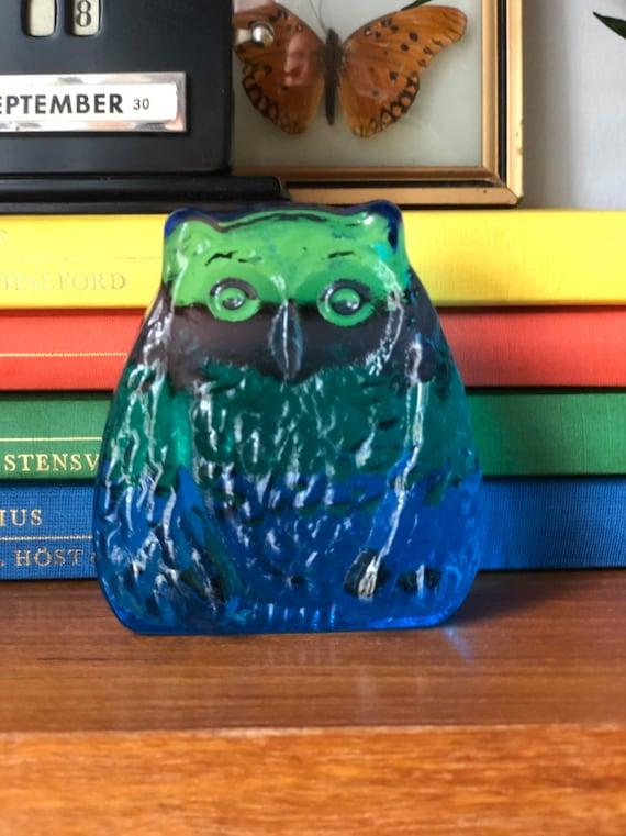 Modern owl blue glass sculpture figurine Swedish Scandinavian design 1960s Modernist / crystal