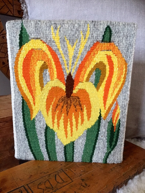 Handwoven/kilim/wallhanging/tiger lilly/flower/folk art/traditional/Flemish/slow art/flamsk/native art/Scandinavian/nordic