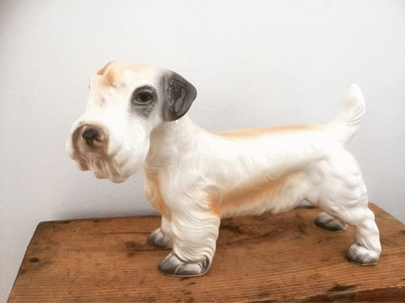 Victorian /Sealyham Terrier/porcelain/dog/figurine/ 1950s/excellent condition/made in germany chinoiserie