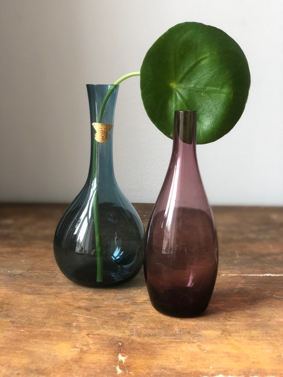 Pair of vases by Lennart Andersson for Gullaskruf / gullaskurfs glassworks mid century modern Scandinavian