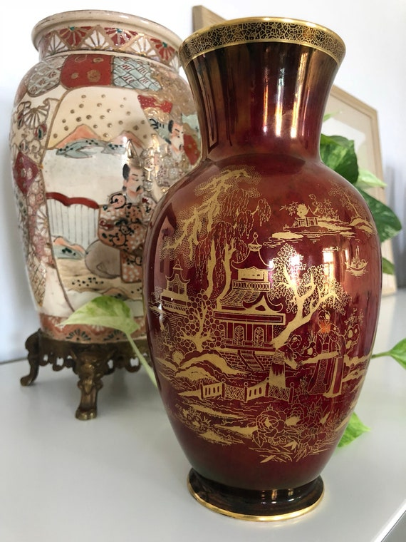 Crown Devon chinoiserie vase wine red and gold Fieldings Stroke on the trent England Pagoda