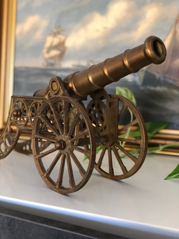 Large Cannon in brass / cannon replica with patina based on Swedish military Scandinavian replica
