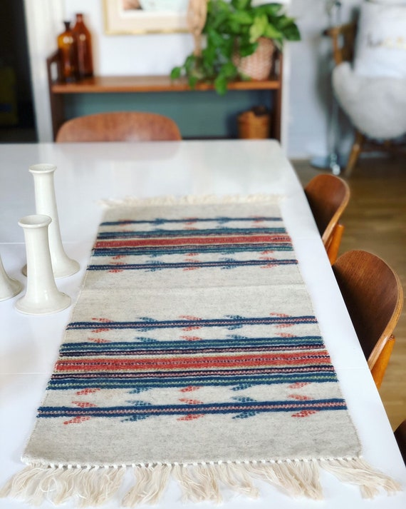 Handwoven tapastry kilim wool table runner / wallhanging nordic Scandinavian grey pink blue