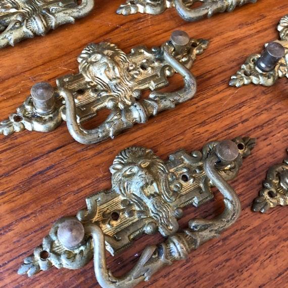 Set of 10 antique bronze lion head drawer pulls / Victorian Edwardian drawer handles / pull handles / drawer pull bronze hardware