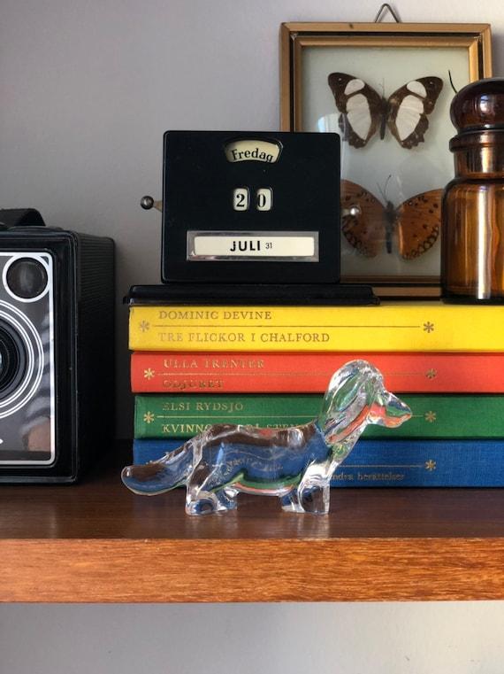 Swedish Glass weiner dog figurine Scandinavian crystal 1980s