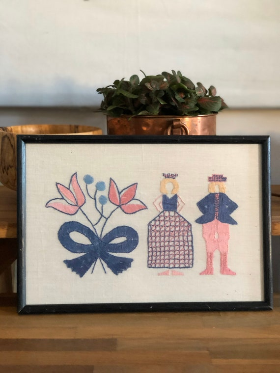 Tradition Swedish folk art crewel embroidered wall hanging Blekinge provincial colors pink and blue framed