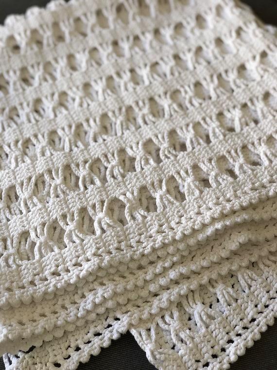 Vintage hand crocheted blaket overcast /Scandinavian traditional pattern / boho bohemian crochet style cotton white
